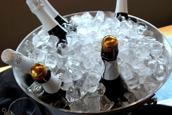 Bottiglie nel ghiaccio